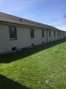 Schulhaus Langmatt, Fassade und Korridor