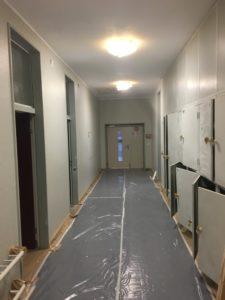 Schulhaus Langmatt Tunrhalle Korridor